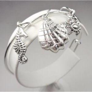 Jewelry - NAUTICAL CRAB SEA HORSE BEACH SHELL CHARM BRACELET